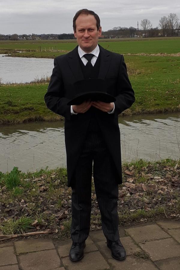 Gerrit Hakkert, Begrafenisondernemer