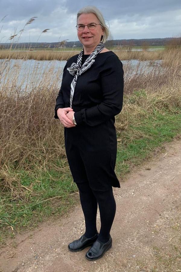 Johanna de Boer - de Leeuw, Medewerkster bediening en lichaamsverzorging